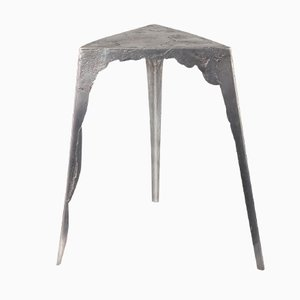 Table d'Appoint Pewter Triangulaire Petite de Handmade Industrials