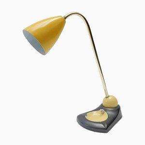 Anpassbare Mid-Century Tischlampe aus Messing und Vide Poche mit gelbem Schirm aus Metall