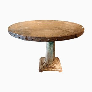 Round Cast Up Table