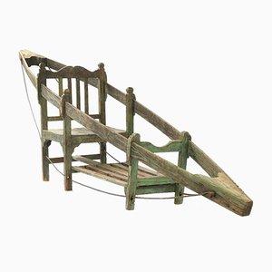 Stuhl mit Holzstruktur in Holz-Optik