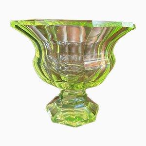 Cuenco de vidrio verde con uranio, años 30