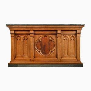 Altare da chiesa in legno e zinco trasformato in bar