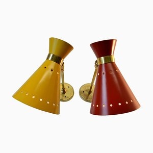 Italienische Mid-Century Diabolo Wandleuchten in Rot & Gelb aus Aluminium & Messing, 2er Set