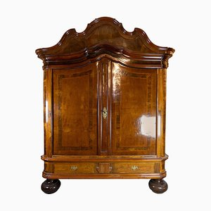 Northern German Baroque Cabinet in Walnut and Oak, 1730s