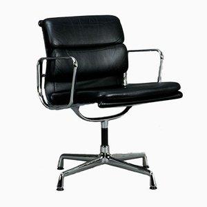 EA 208 Aluminum Chair from Vitra
