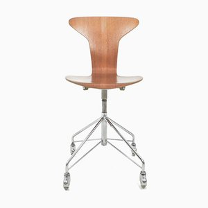 Danish Mosquito Swivel Chair by Arne Jacobsen for Fritz Hansen, 1950s