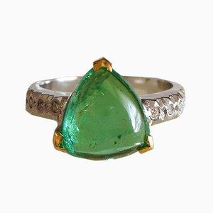 18 Karat Ring in Weiß und Gelbgold mit grünem Cabochon Turmalin