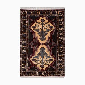 Geometric Beige Carpet with a Central Medallion and Border