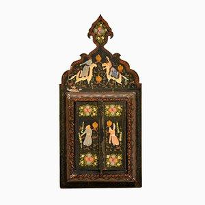 Antiker Persischer Spiegel mit Lackiertem Holzrahmen