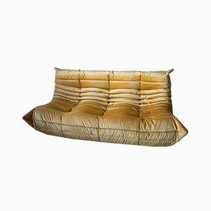 Sofá Togo vintage de tres asientos en dorado de Michel Ducaroy para Ligne Roset, años 90