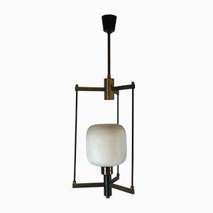 Lampada a sospensione in ottone e vetro opalino di Stilnovo, anni '50