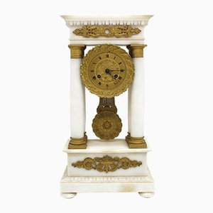 Vergoldete Bronze und Marmor Uhr, 19. Jh