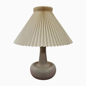 Lámpara de mesa de cerámica de Ole Bøgild para Le Klint, años 70