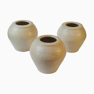 Elfenbeinweiße Studio Keramikvasen, 1980er, 3er Set