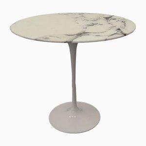 Mesa auxiliar Tulip con mármol de Eero Saarinen para Knoll, años 60