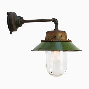 Industrielle Mid-Century Emaille & Glas Wandlampe in Grün