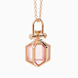 Collier Six Senses Talisman Pendant contemporain Sacré en Rose Massif 18k avec Quartz Rose Naturel par Rebecca Li
