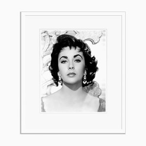 Elizabeth Taylor, Archival Pigment, Print in Weiß Eingerahmt, Everett Collection