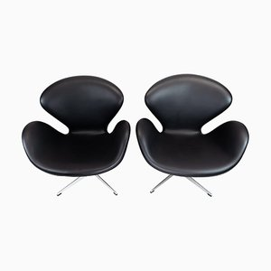 Swan Chairs Model 3320 by Arne Jacobsen, 1958, Set of 2