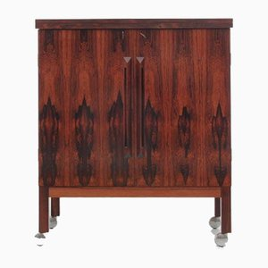 Mid-Century Scandinavian Bar Cabinet in Rio Rosewood by Illum Wikkelso
