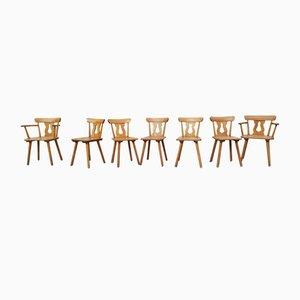 Rustikales Set aus 5 Stühlen & 2 Armlehnstühlen, 1940er, 7er Set