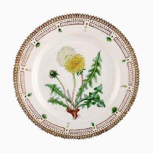 Flora Danica Teller aus handbemaltem Porzellan mit Blumen von Royal Copenhagen