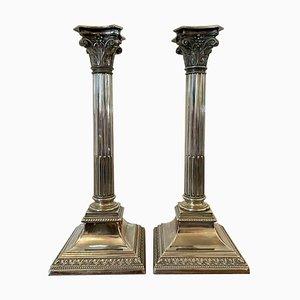 Versilberte antike korinthische Kerzenständer, 2er Set