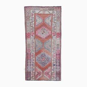 3x5 Handgemachter türkischer Vintage Oushak Teppich mit rotem Bezug in Rot