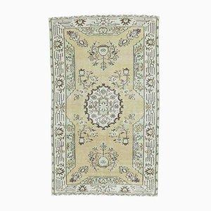 Handgemachter antiker türkischer 5x8 Teppich in Pistazien-Optik von Oushak
