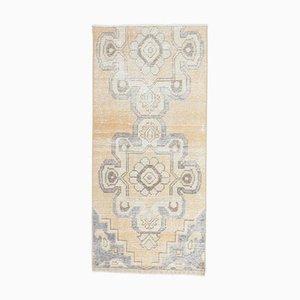 Türkischer Vintage Oushak Teppich aus 2x4 Gelbem Kunstleder