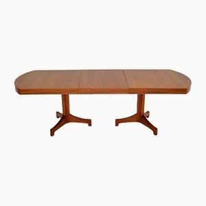 Tavolo da pranzo vintage allungabile in legno di noce di Robert Heritage per Archie Shine, anni '60