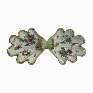 Centrotavola grande dipinto a mano con decorazione Queen Victoria di Herendi Porcelain, anni '40