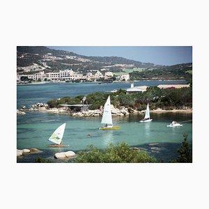 Costa Smeralda, Übergroßer C Druck von Sardinien Eingerahmt in Weiß