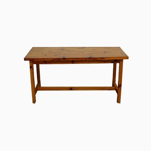 Französischer Tisch oder Schreibtisch aus massivem Pinienholz, 1970er
