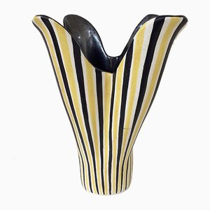 Jarrón Corolla francés de cerámica rayada de Pol Chambost, años 50