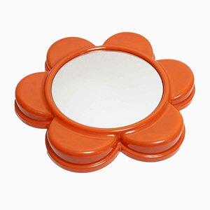 Specchio a forma di fiore arancione con anello in ottone, anni '70