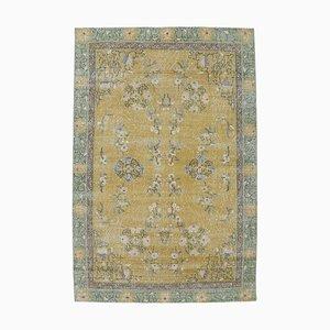 Türkischer Gelber Vintage Teppich mit Gelben Blumenmustern