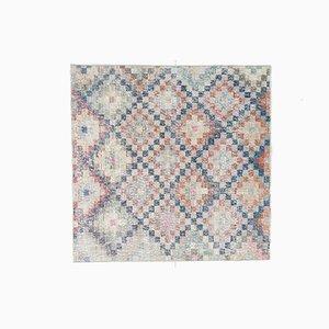 Quadratischer handgemachter türkischer Vintage Wollteppich
