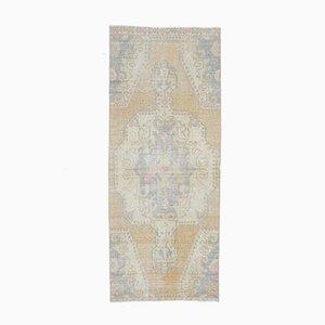 Handgefertigter antiker orientalischer Teppich aus Wolle