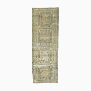 Türkischer Antiker Handgeknüpfter Wollteppich in Gelb