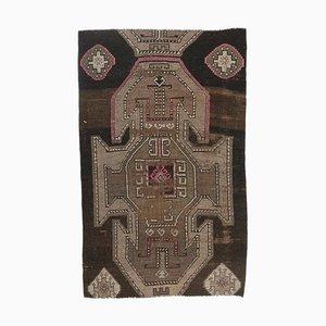 Türkischer Handgeknüpfter Vintage Teppich in Braun