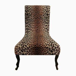 Antiker Napoleon III Sessel mit neuem Leopardenmuster Bezug