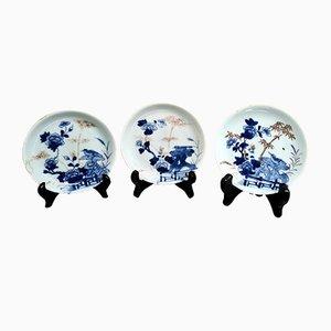 Platos chinos antiguos de porcelana, siglo XVIII. Juego de 3