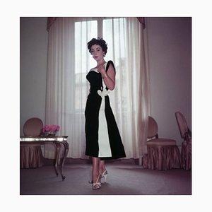 Impresión Elizabeth Taylor Archival Pigment enmarcada en blanco de Bettmann