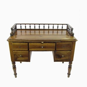 Antiker Walnuss Schreibtisch