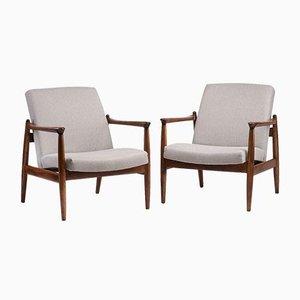 Gfm 64 Armlehnstühle von Gościcińska Furniture Factory, 2er Set