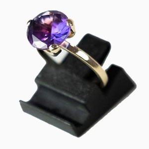Ring Decorated With Amethyst and 14 Karat Gold