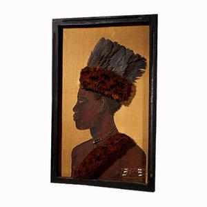 Retrato de un jefe Kongo con tocado de plumas, material vegetal sobre yute