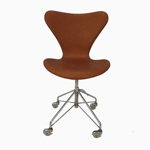 Sedia girevole modello 3117 di Arne Jacobsen per Fritz Hansen, anni '60