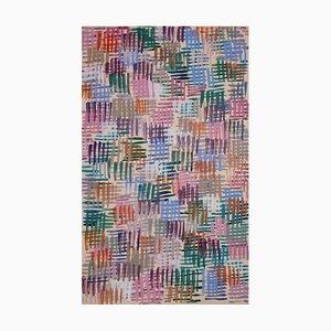 Natalia Roman, Bunte Linienmuster auf Rosa, Abstrakte Malerei auf Leinwand, Pastellfarbene Palette, 2021